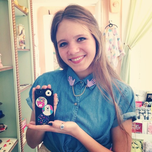 pygmyhipposhoppe:  How cute is @ohheymae with her @BuriedDiamond stickers & collar clip? 🍩😻👐❤ (at Pygmy Hippo)