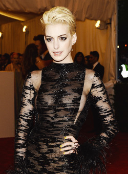 "Anne Hathaway | ""PUNK: Chaos To Couture"" Costume Institute Gala [May 6,2013]  Wow."