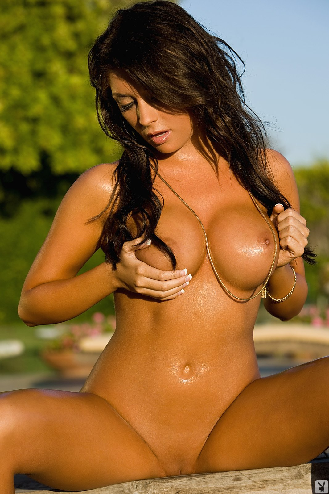 playboycollection:  LOGANN BROOKE http://e-gazou-c.tumblr.com/