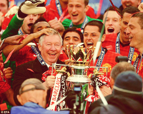 fyeahmanchesterunited:  Thanks for everything Boss! Cannot believe tomorrow is gonna be his last game. It will probably kick me in the head next year when i'm gonna see Moyes in his place. Until then…