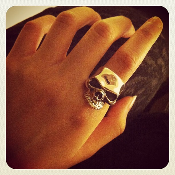 Crazy pig skull ring!! So shiny & beautiful. Sigh. Sadly not mine! #crazypig #skull #jewellery #jewelry #silver
