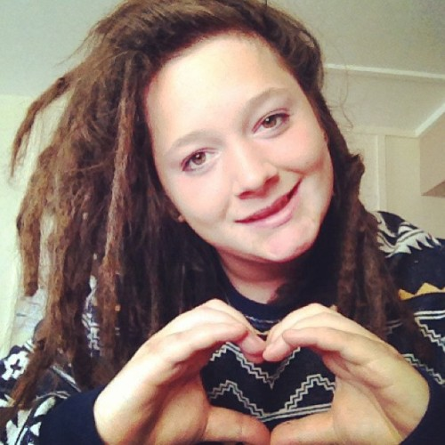 Oh ma gaaad I'm like just so cahuuuuuute! #heart #love #hands #fingers #dreadlocks #face #me #selfie #cute #dreads #iloveyou #simples #hashtagswooooooo #ott