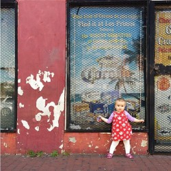 An incredibly cute #miniboden fan to brighten up our Friday.
