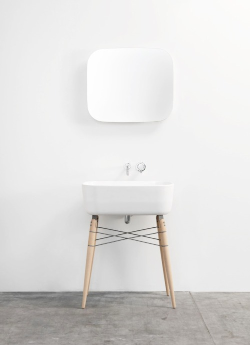 stxxz:   Ray Ceramic Washbasin by Michael Hilgers