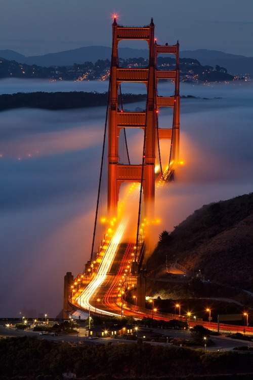m9a9u9:  fuckyeahnightlife:  San Francisco, CA  wow