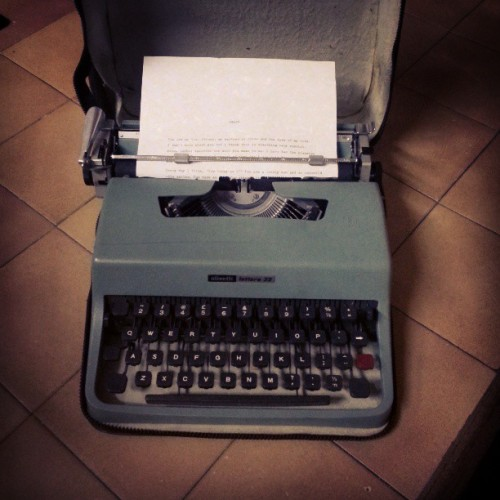 Jess got me a #typewriter for my #birthday!!!! Coolest gift ever. EVER!