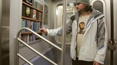 electronic library available on the subway, without wifi? awesome!