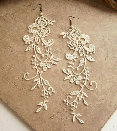 secretdreamlife:  Wisteria ivory lace floral earrings by StitchFromTheHeart on Etsy http://secretdreamlife.tumblr.com