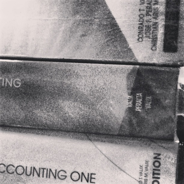 "Favorite author ko po si #valix. HAHAHAHA. -.-"" #accounting"