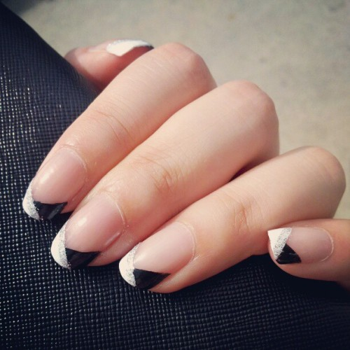 B&W tips #nailart #nails #manicure - @okaywecandice- #webstagram