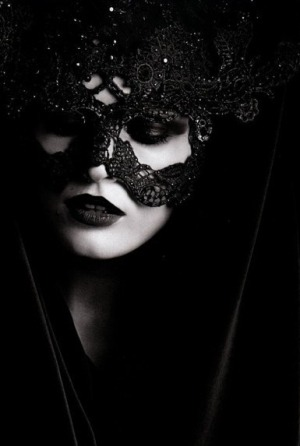 moonlitmidnightmay:  Makes me want to a Masquerade Ball, if only they were like how they used to be back then…