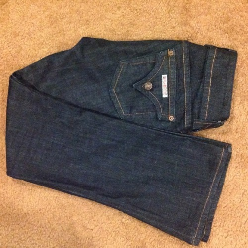 I just added this to my closet on Poshmark: NWOT Hudson jeans size 27 bootcut dark wash. (http://bit.ly/UzmxCj) #poshmark #fashion #shopping #shopmycloset