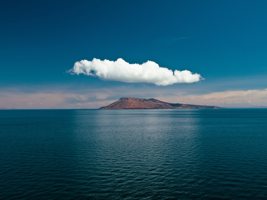 travelingcolors:  Amantani Island in Lake Titicaca | Peru (by Thomas Cristofoletti)