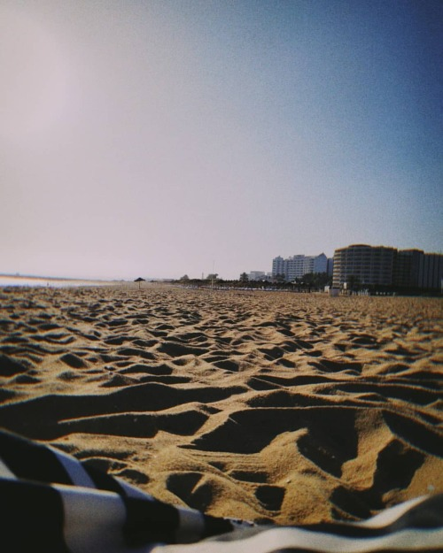 - Miss you…🌅 . . . . . #sunset #beach #perfectday #perfectmoment #sunnyday #summer #sand #algarve #vilamoura  (em Vilamoura) https://www.instagram.com/p/CLFZVzel_05/?igshid=1beyeqag32nbg #sunset#beach#perfectday#perfectmoment#sunnyday#summer#sand#algarve#vilamoura