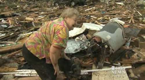 hellogiggles:  WOMAN REUNITED WITH HER MISSING DOG AFTER OKLAHOMA TORNADO by Parry Ernsberger http://bit.ly/13Fglsu