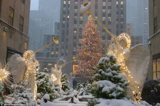 𝒜 𝑀𝑒𝓇𝓇𝓎 𝐿𝒾𝓉𝓉𝓁𝑒 𝒞𝒽𝓇𝒾𝓈𝓉𝓂𝒶𝓈 𝐵𝓁𝑜𝑔🎁🎄✨ #joyeux noel#noel#christmas#christmas blog#holiday blog#merry christmas#feliz navidad#christmas night#winter nights#christmas lights#newyork #christmas in new york
