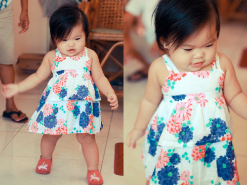 Baby Thea in her summer dress. haha :333