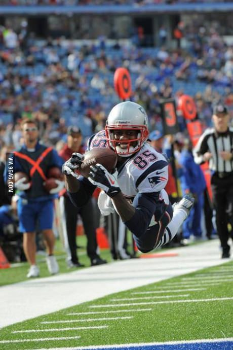 9gag:  Ridiculously photogenic receiver