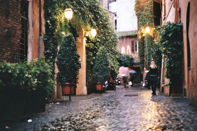 travelingcolors:  Trastevere,_Rome | Italy (by Jason Robert Black)