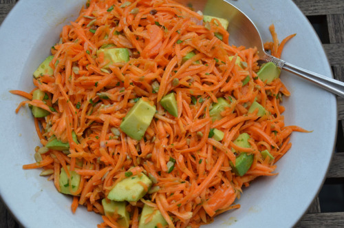 beautifulpicturesofhealthyfood:  Carrot salad with avocado…RECIPE