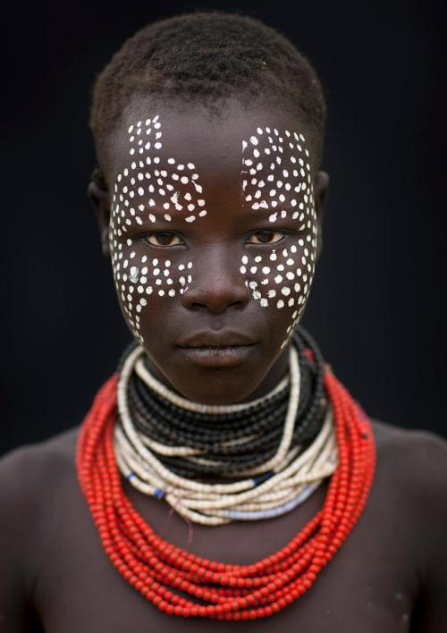 soulful-faces:   Africa. Ethiopia Girl of the tribe Karo. By Eric Lafforgue