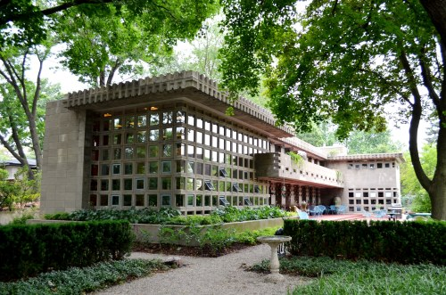 infiniteinterior:  Frank Lloyd Wright, Dr. H. and Dorothy H. Turkel Residence, Detroit (1955) (via « Dami's Findings)