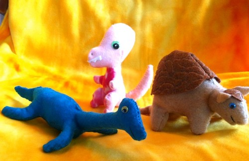 fuckyeahdinoart:  Tyrannosaurus Rex, Glyptodon and Pleisosaur plush. All which I am selling HERE and I'm also taking requests/suggestions for the next prehistoric critters to make!  these are really cute!