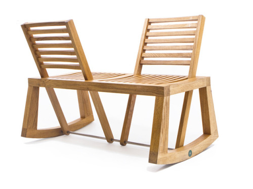nyaaozawa:  Double View Bench with pivoting backrest from Outdoorz Gallery