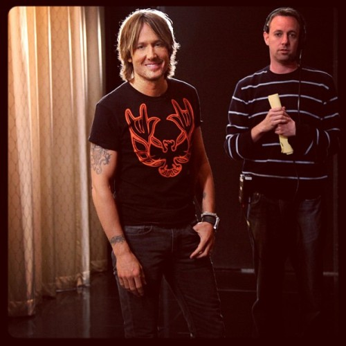teamcoco:  @keithurban backstage. #conan #americanidol #keithurban (at Warner Bros Stage 15)  I've said it before and I'll say it again: Keith Urban is a beautiful woman.