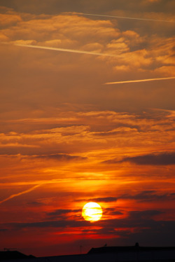 mystic-revelations:  The Final Setting of the Sun at Bexhill-on-Sea By antonychammond