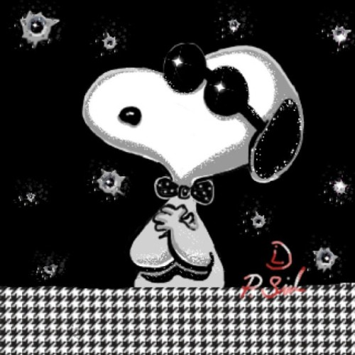 SNOOPY 🐶 #DrawSomething #teamdli #drawsomething2 #ds2 #glitter #sparkly #ig #drawsomethingmasterpiece#art #iparindhidadraws #drawsomethingart #drawsomethingdesigns #handdrawnart #drawsomethingcool #snoopy #dog #snoopydog #beagle #cartoon