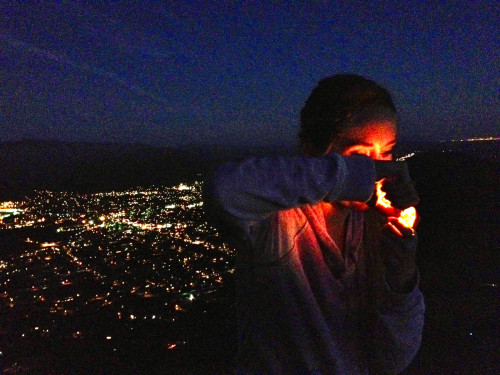 your-pot-blog:  Night hike to toke above the lights.  ahhhh ich raste aus!!!!11!