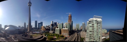 ihearttoronto:  Panorama from my friend Gord's condo
