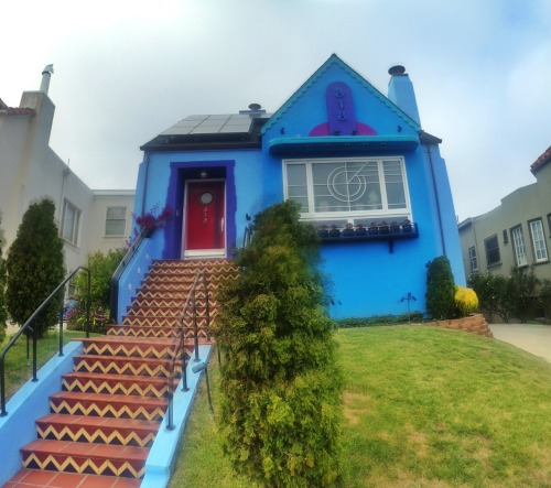 This is pretty much my favorite non-Victorian in all of SF. Not just the paint job, but the neon house number, the stairs, the window bars, everything. On Monterey in Westwood Highlands.