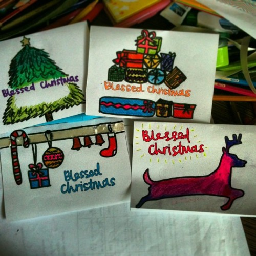 Christmas cards in the making 😊😊😊 love getting my hands dirty and thinking of new designs every year 🎨