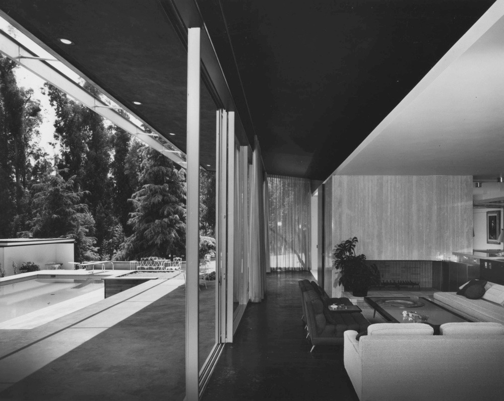 The Richard Neutra Kronish House Austrian American architect Richard Neutra left behind him a legacy of beautiful modernist buildings, a great deal of them in Southern California. As you can imagine, owning a Neutra house is quite the status symbol. Occasionally, however, the work of this celebrated architect is in jeopardy. His Kronish House (seen here) was actually days from being torn down until Stavros Niarchos purchased it last year with promises to restore it. To brush up on your Neutra knowledge, check out eBay's assortment of classic Neutra design books.  (Photo courtesy of Modernica. Text by Jenny Bahn)