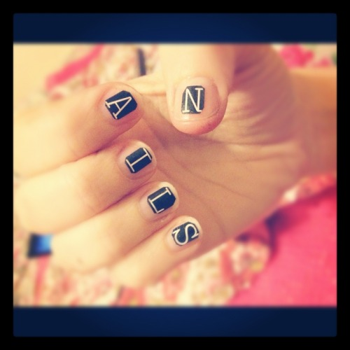 Nails Of The Day: NAILS OF THE DAYby From Our Readers  http://bit.ly/VFmGRw