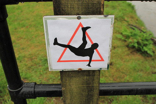 bboysbgirls:  Warning! Breakdancers