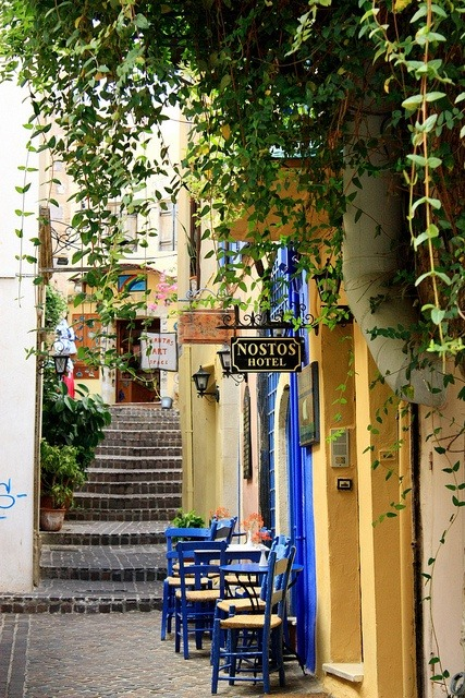 hermitguides:  Chania, Crete, Greece (via Oh, The Places I'll go (by Guillaume Chanson).)
