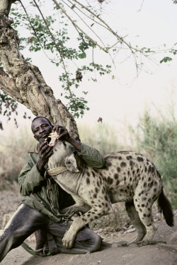 stealstheclouds:  The hyena and other men, by Pieter Hugo