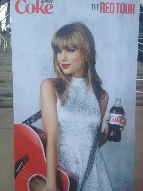 redtournews:  A new Diet Coke ad in Atlanta (credit: redtournews)