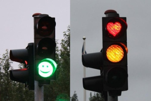 theamericankid:  Traffic lights in Iceland  Saw this once