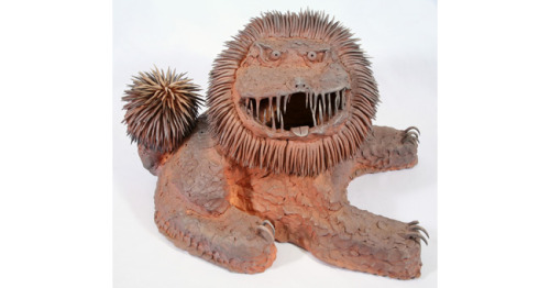 Okinawan lion by Ryosuke Otsuji 2010, clay, natural glaze; Shiga Prefecture (via Culture - Okinawan lion by Ryosuke Otsuji - Wellcome Collection)