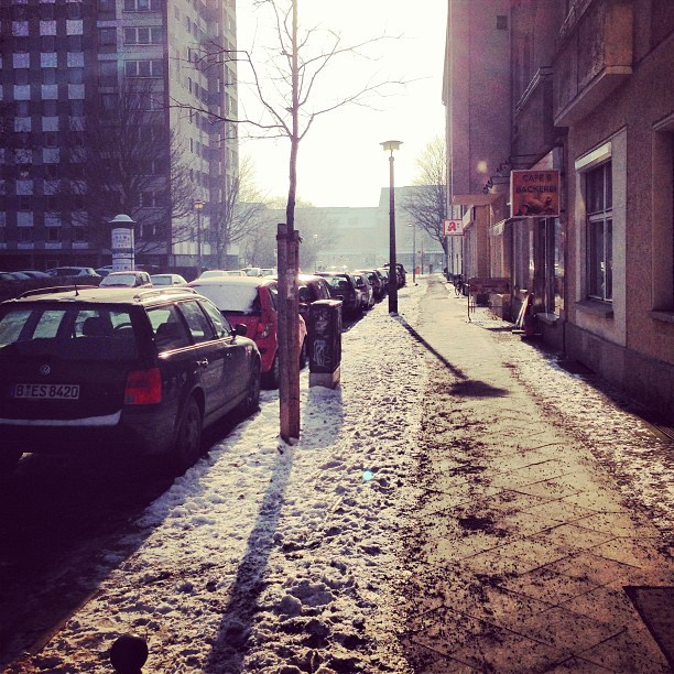 #winter #street #life in #berlin  (at Modersohnstrasse/Bruecke)
