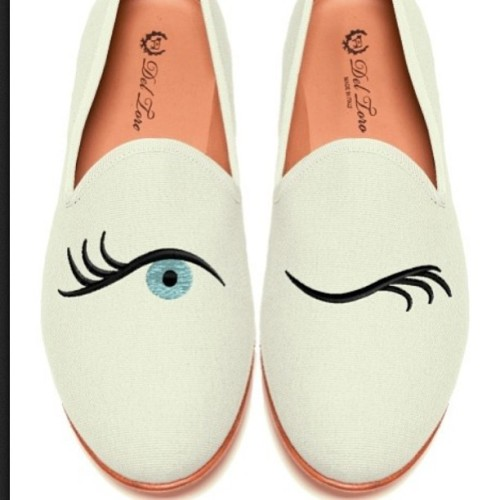 Ca-ute! #slippers #deltoro #eyes #fashion #fashionblogger #cute #fun