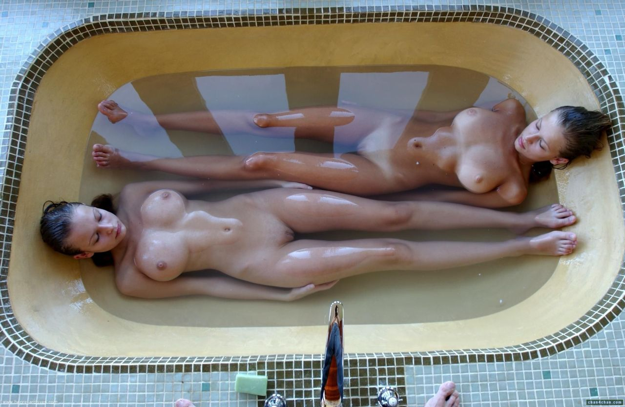 Tub for Two