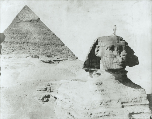 fernsandmoss:  Zangaki, Sphinx and Pyramid of Khafre, 1934