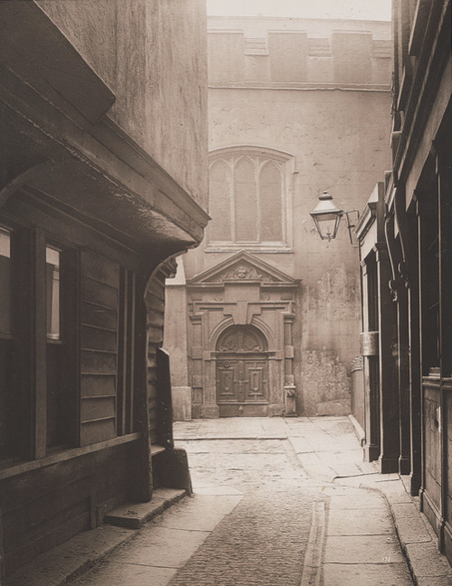 my-little-time-machine:  Great Saint Helen's, Bishopgate, City of London, 1886, photographed by Henry Dixon.