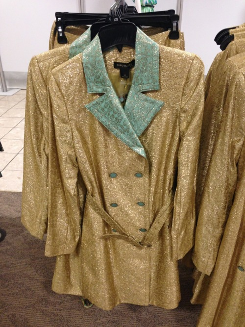 So I was in jcpenny today and I thought they were selling a pimp costume???? But upon further inspection nope it's just a sparkly gold trench coat