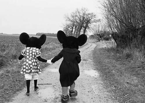Hand in Hand Mickey and Minnie Mouse no We Heart It. http://weheartit.com/entry/61195149/via/pinkjessirockzz